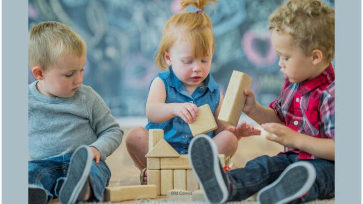 Das Kind hat viele Möglichkeiten, mit anderen Kindern zu spielen