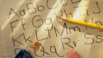Soll mein Kind schon vor der Schule lesen und schreiben lernen?